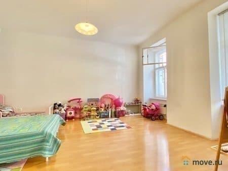 Продаем 3-комнатную квартиру, 67 м², Прага