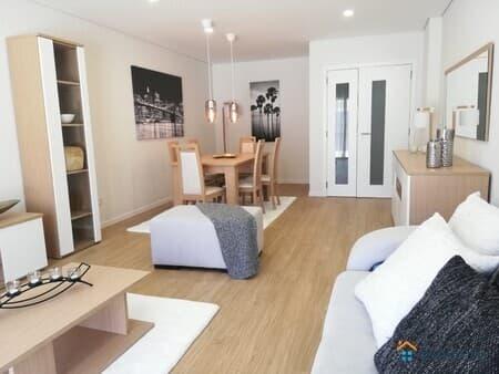 Продаю 3-комнатную квартиру, 119 м², Лиссабон, Баррейру