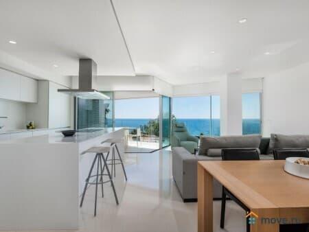 Продаем 5-комнатную квартиру, 205 м², Торревьеха