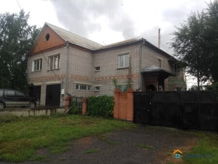 Продаю коттедж, 330 м², 10 соток, Кызыл, улица Рабочая